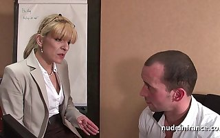 Amateur mature blonde anal fucked hard at office
