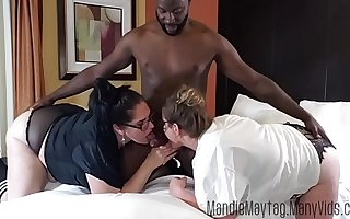 Big Dicked Texan Brings make an issue of Meat for a Thick Chick Threesome feat. Entertaining Lilli.